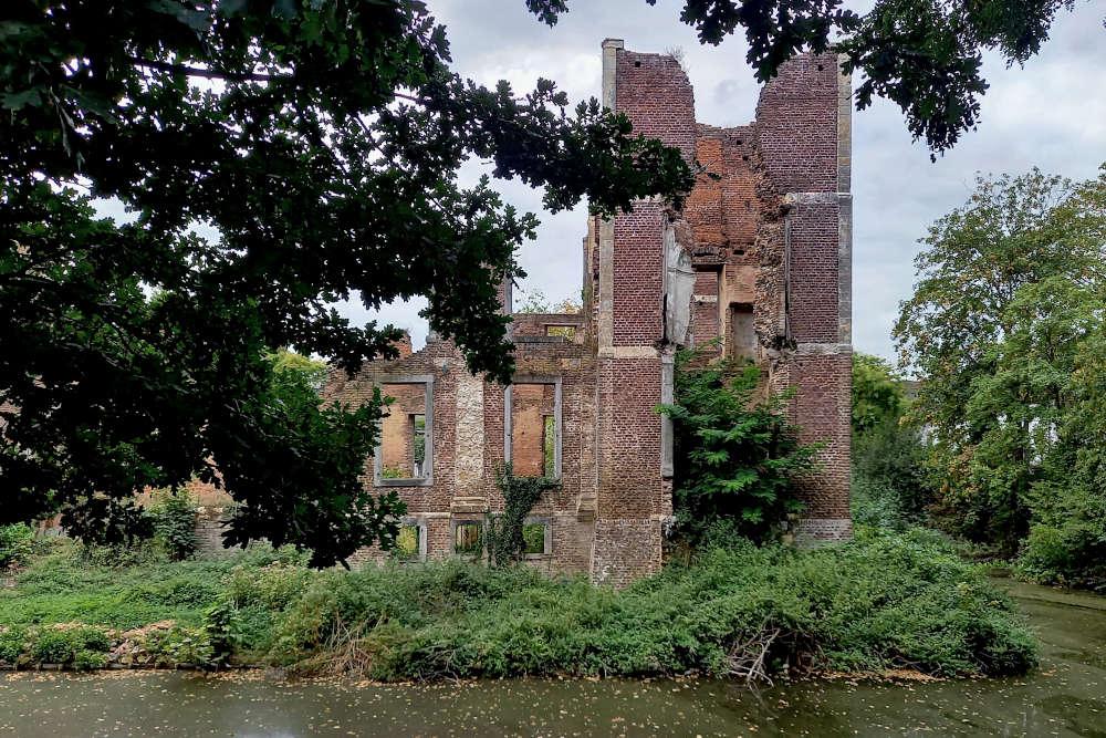 ruïne van kasteelpark Born