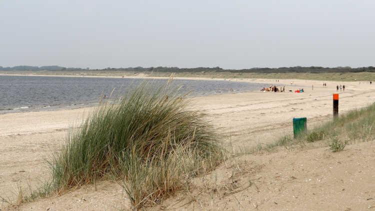 wat te doen in Hellevoetsluis? Een dagje aan het strand!