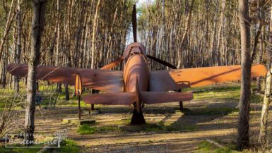 vliegtuig in schijnvliegveld de kiek in Alphen