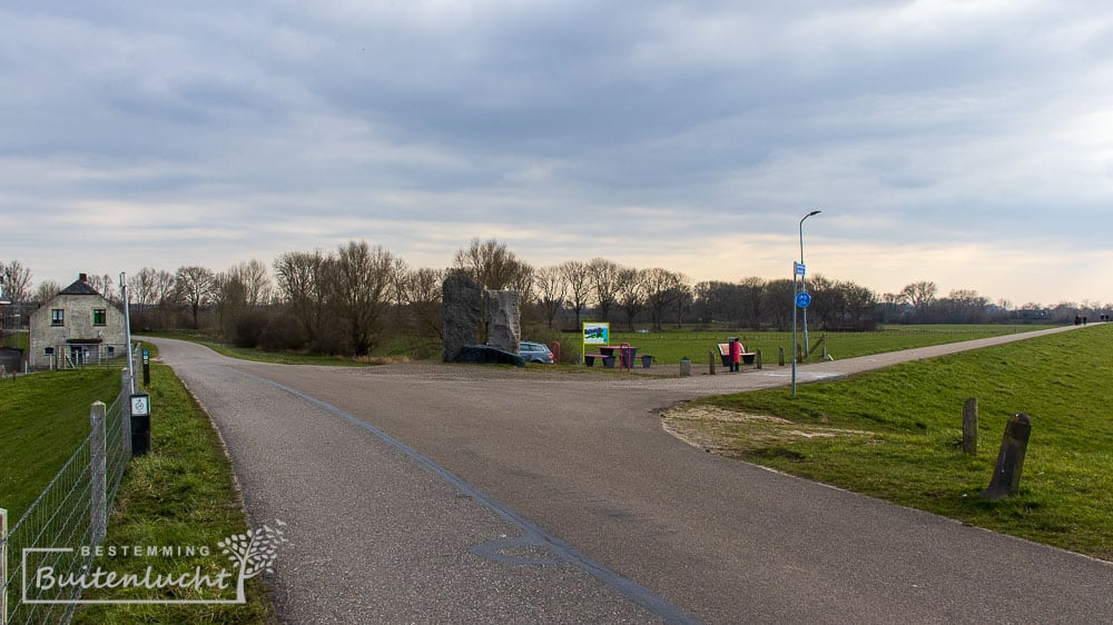 Het Driedijkenpunt, waar drie dijken samenkomen