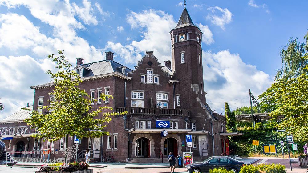 Stationsgebouw van Weert, startpunt van het Graaf van Hornepad