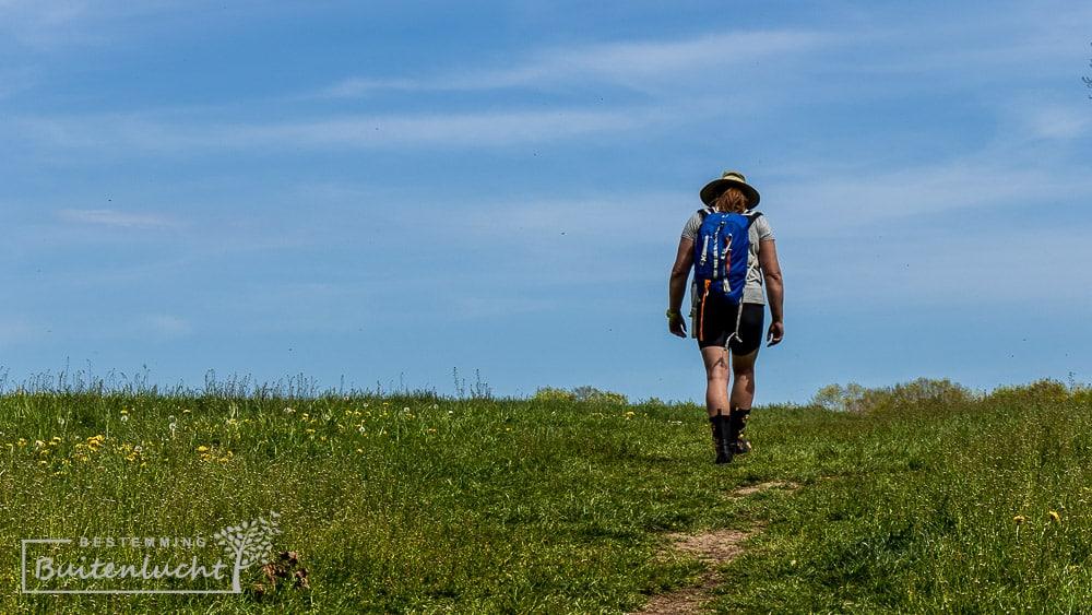 Wandelen op het plateau van Eben-Emael tijdens de Trage Tocht Kanne